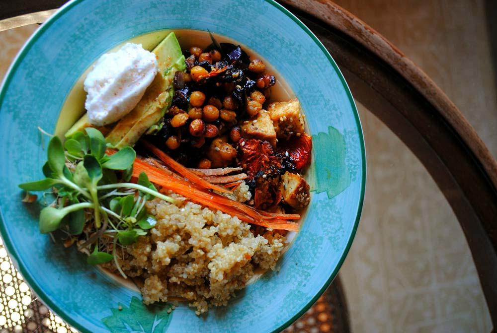 farfurie cu legume si soia