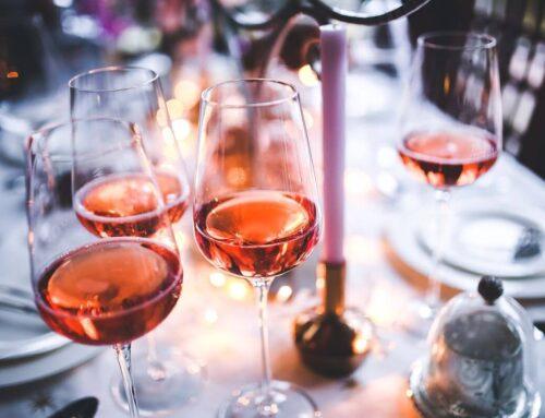 Cum alegi paharele de vin în funcție de ce servești
