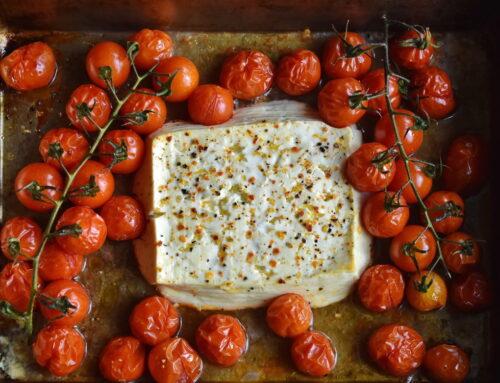 Brânză la cuptor: 5 rețete care te vor face să îți amintești de Grecia