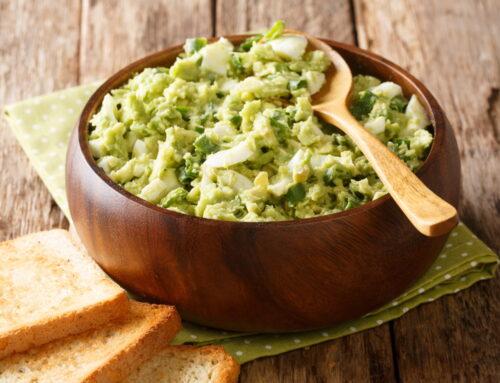 Cea mai bună salată de avocado cu ou