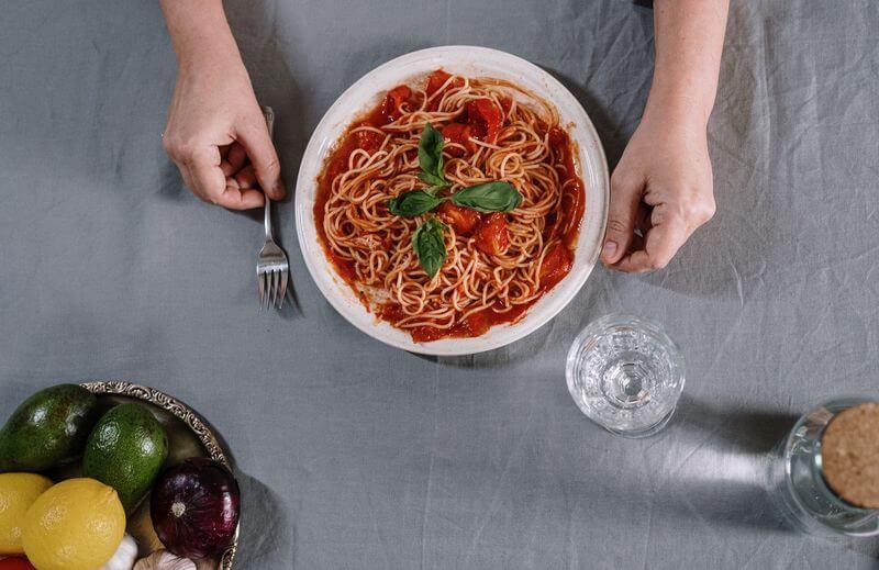 spaghete_sos_rosu